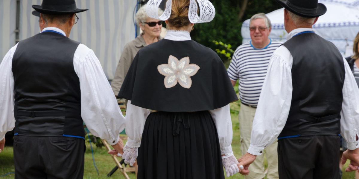 Danse bretonne – Sables d'Or-les-Pins