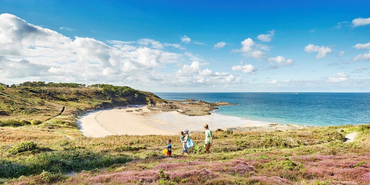 Sortie a la plage sauvage du Portuais en Famille